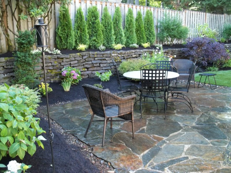 flagstone-patio-wall