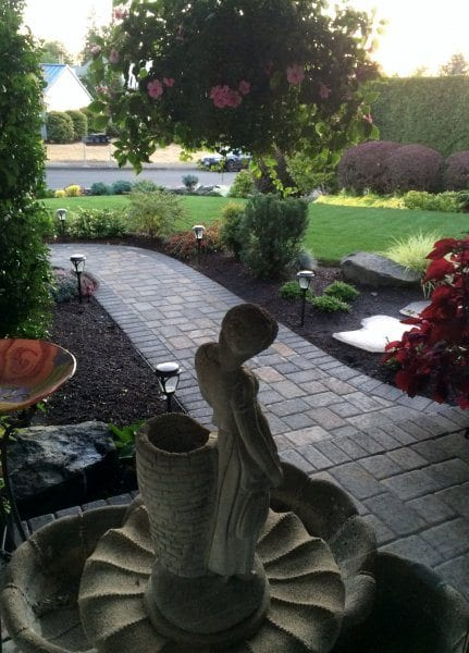 pavers-walkway-fountain